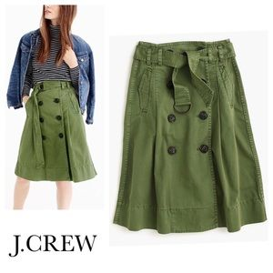 JCREW // chino trench skirt in olive green size 6